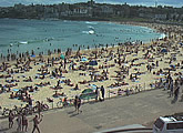 This cam is located looking South along Bondi Beach.
