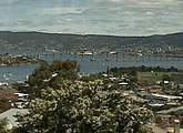 View of the Derwent River and Tasman Bridge. Streaming cam.