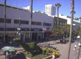 Live cam view from Santa Monica, California.